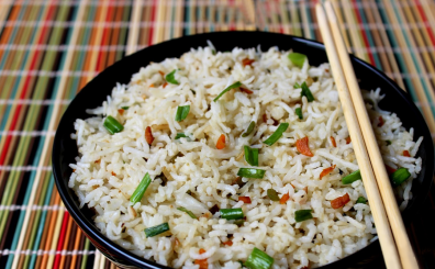 Veg Fried Rice made easy. Goodbye Chinese takeout!