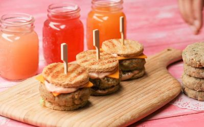 A healthy twist to your kids favourite snack: Mini Burgers
